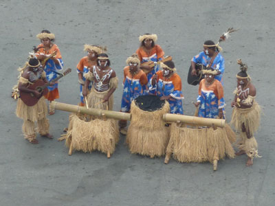 Polynesian welcoming party